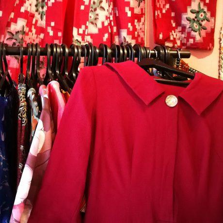 Vintage teki Katista mekkoihmisen